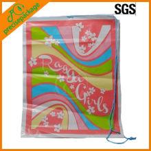 Promocional eco-friendly impresso promocional um saco de plástico com cordão lateral