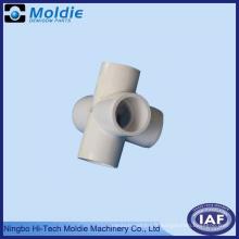5 à travers le tuyau d'eau moulé par PVC en plastique conjoint
