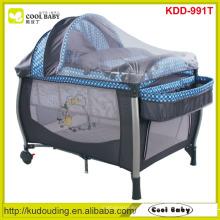 Großhandel NEUE Baby-Spiel-Yard-Hersteller NEUER Entwurfs-Laufstall mit Baldachin / Moskitonetz / Speicher-Regal / Windel-Wechsler