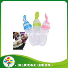FDA Silicone baby feeding bottle with spoon