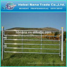 Diseño de la puerta de la granja de venta caliente Valla de la granja barata galvanizada / cerca de la granja eléctrica