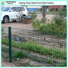 Gekrümmter PVC beschichteter geschweißter Drahtgewebe Zaun \ 3 Biegungen Drahtgewebe Zaun mit Pfosten
