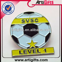 2014 Cheap custom metal enamel football pin badges