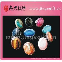 La moda complementa el anillo de piedra oval artesanal de moda
