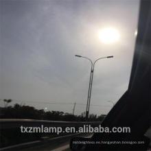 El poder más elevado llevó la luz de calle solar 50 vatios integró la luz de calle solar con el polo, iluminación del polo