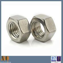 Écrou carré standard ISO en acier inoxydable