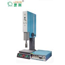 Máquina de soldadura ultrasónica para productos de plástico