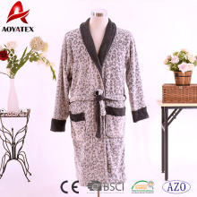 Hot sale 100% polyester long-sleeve coral fleece couples bathrobe contrast color printed robe