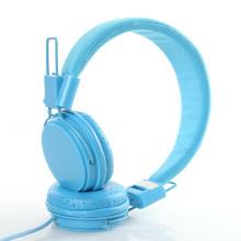 Auriculares coloridos con micrófono