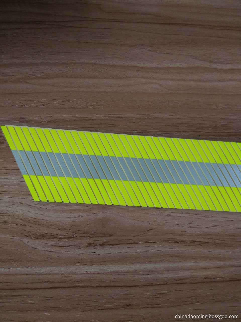 D1995 Flame Retardant Segmented Reflective Tape