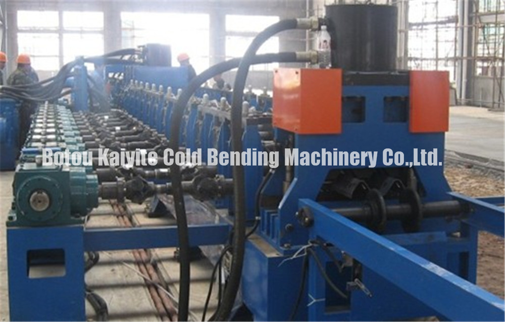 Two Waves Highway Guardrail Machine