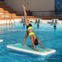 Tapis flottant gonflable de yoga de tapis de yoga de sport d'eau AQUA