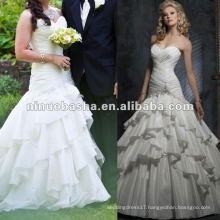 Full A-line skirt with sweetheart neckline and corset closure wedding dress