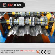Machine de fabrication de carreaux de sol et de plancher