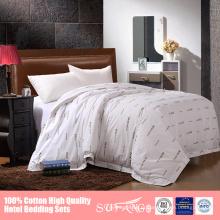 O símbolo personalizou a folha de cama do algodão do pima dos linhos de cama do hotel de estrela 5 ajustada para hotéis
