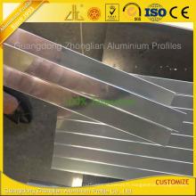 Profil d'extrusion en aluminium poli par miroir pour la décoration de salle de bains