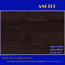 Plancher en plastique de stratifié de sembler en bois de PVC fabriqué en Chine