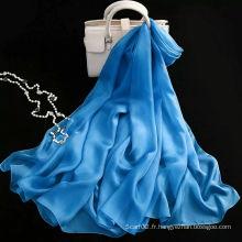 L'écharpe en soie populaire avec une couleur solide