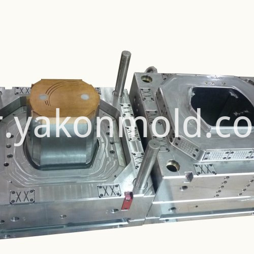 Car Accessory Injection Molding