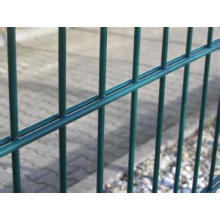 Simple Structure Bilateral Wire Fence