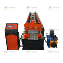 Car body plate roll forming machine for producing car body plate