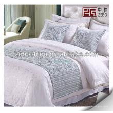 Fournir des jeux de lit et des coussins d'hôtel décoratifs