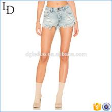Cor clara de lavado em shorts jeans em massa estilo de moda para as mulheres