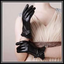 2012 nuevos guantes cruzados diseñados del cuero del borde de la falda
