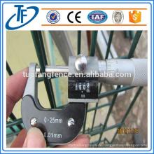 Amerikanischer Standard-Zink-beschichteter geschweißter Draht-Ineinander greifen-Zaun (China-Produkte)