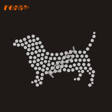 Crystal Dog Rhinestone Transfer Iron en la prenda