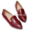 Nouvelle conception européenne vintage sculpter oxfords chaussures britanniques style mode femmes glisser sur les chaussures Brogue chaussures femme décontractée