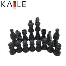 Pièces d'échecs chinois en plastique mis à jouer
