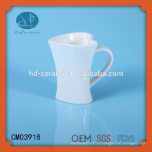 Taza de cerámica en forma de corazón blanca, taza del corazón, taza modificada para requisitos particulares