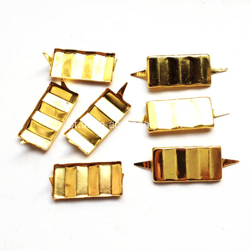 Pronged Rectangular Studs Face Ripple