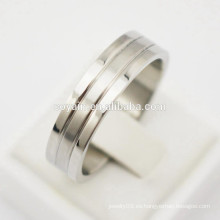 Simple Casual espejo pulido y acabado mate 316L de acero inoxidable de titanio anillos de compromiso de la boda