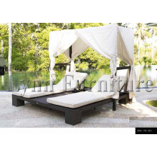 Pool Lounger (L305)