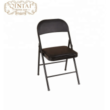 Chaise pliante en métal avec siège en plastique