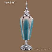jarrones de flores de cerámica con tapa de metal y la base en color azul-verde a precio al por mayor para la venta al por mayor