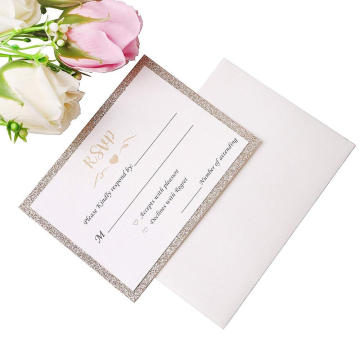 25 Unidslote tarjetas de brillo dorado con sobres impresos + gratis papel de tarjetas Glitter Glitter Invitación de boda