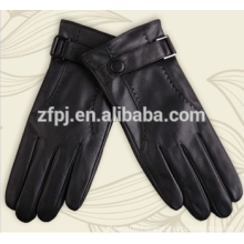 mens wearing leather gloves in europe