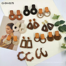 New Fund Temperament Retro Woody Geometry Long Money Earring Rattan Makes up Wood Earring