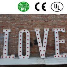 La letra de alta calidad del bulbo del LED firma la decoración de la boda