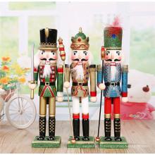 décoration de maison casse-noisette en bois