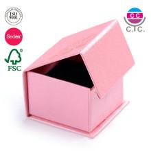 Boîte à bijoux magnétique de boîte de cadeau d'anneau de papier de modèle de texture de logo fait sur commande avec la mousse de velours