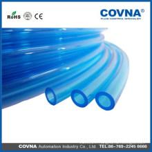 Tube de plastique souple extensible transparent
