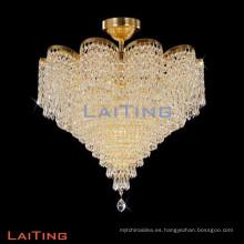 Iluminación interior de cristal con luz de techo empotrada