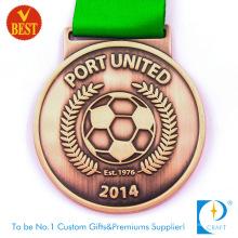 China Cobre personalizado barato carimbando medalha de futebol 2D em alta qualidade
