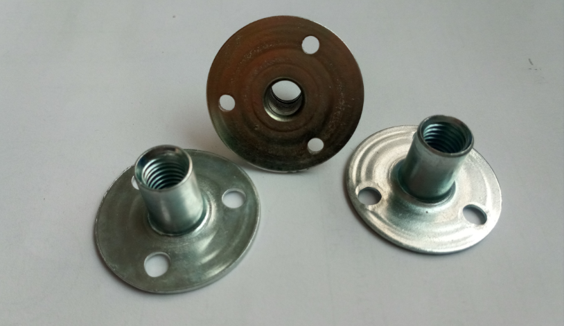 Three holes climbing tee nuts