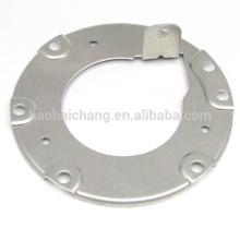 Brida de aluminio con piezas de plástico para disipador de calor