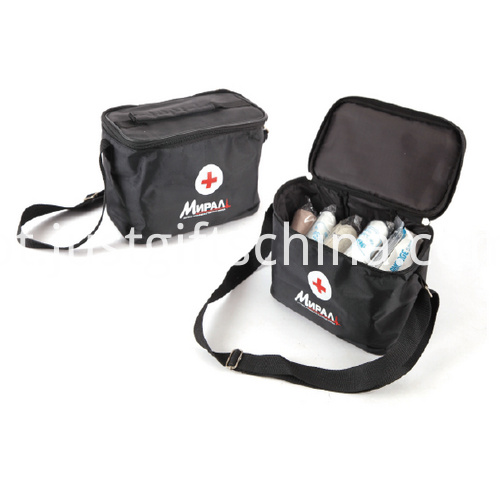 Promotional Nylon Colorful Car First Aid Kits For CE Approved
